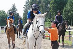 騎乗訓練(写真)